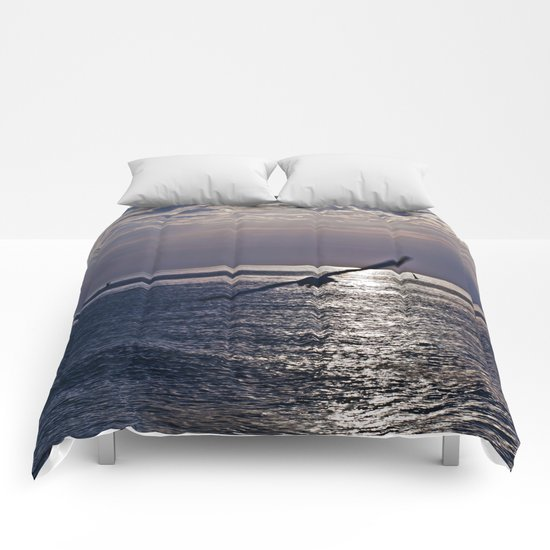 liberta infinita Comforters