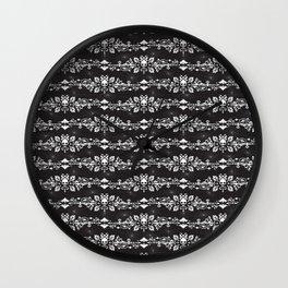 Fleur De Crâne Wall Clock