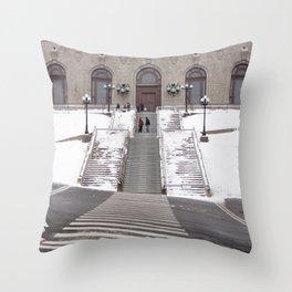 Montréal in November (11 of 11) Throw Pillow
