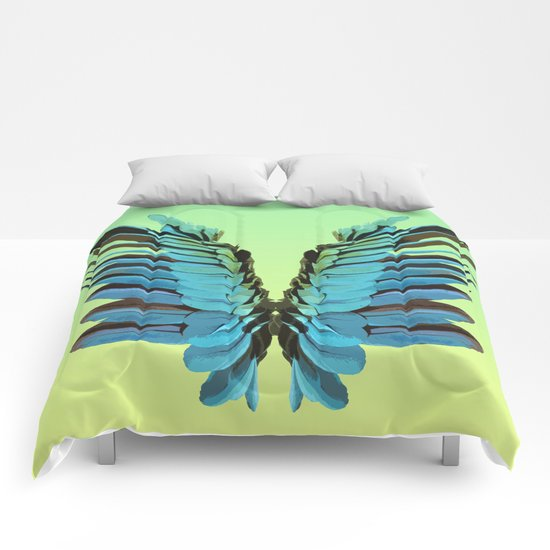 Macaw Wings Comforters