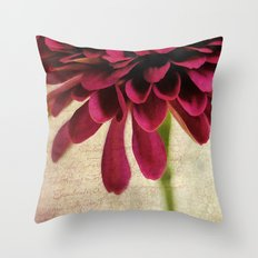 pétales de fleurs Throw Pillow