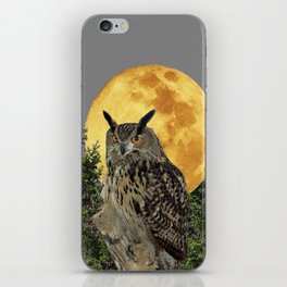 GREY WILDERNESS OWL WITH FULL MOON & PINE TREES iPhone Skin