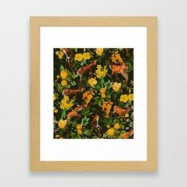 Deer and Floral Pattern Gerahmter Kunstdruck