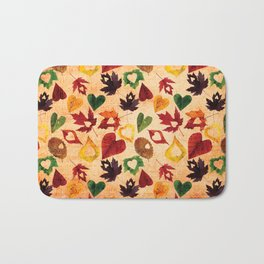 Happy autumn - hearts and leaves pattern Bath Mat