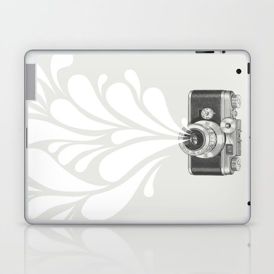 Worth a thousand words Laptop & iPad Skin