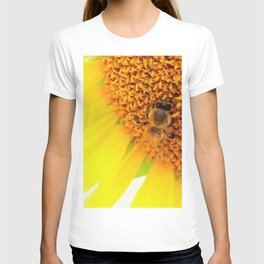 """SAVE THE BEE""""S T-shirt"""