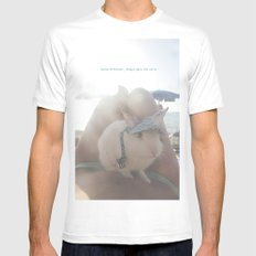 Oliver at the beach White MEDIUM Mens Fitted Tee