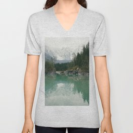 Turquoise lake - Landscape and Nature Photography Unisex V-Neck