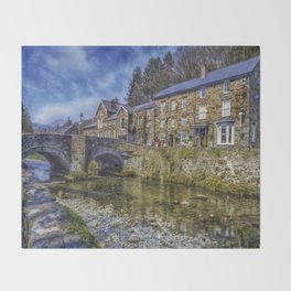 Beddgelert Village Throw Blanket
