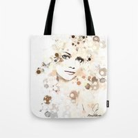 emma stone Tote Bags featuring Emma Stone by Rene Alberto
