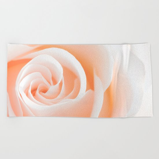 Rose´s heart I- Beautiful roses flower in pink Beach Towel