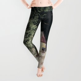 travelling east into the past Leggings