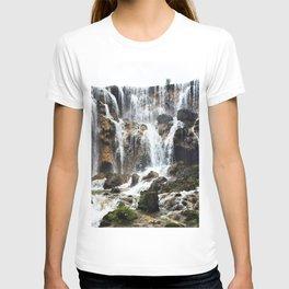 Pearl Shoal Waterwall // Jiuzhaigou Valley T-shirt