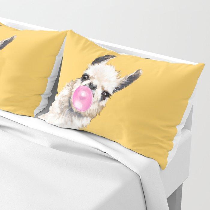 Bubble Gum Sneaky Llama in Yellow Kissenbezug