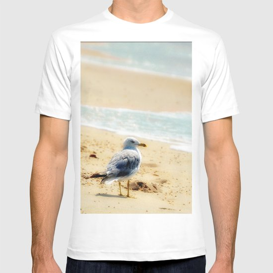 Lonely gull of summer. T-shirt