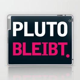 Pluto Bleibt Laptop & iPad Skin