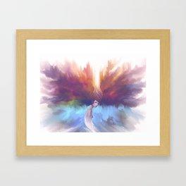 Con la cabeza en las nubes Framed Art Print
