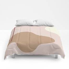 silence is deadly on ebony background Comforters