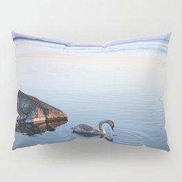 A beautiful swan Pillow Sham
