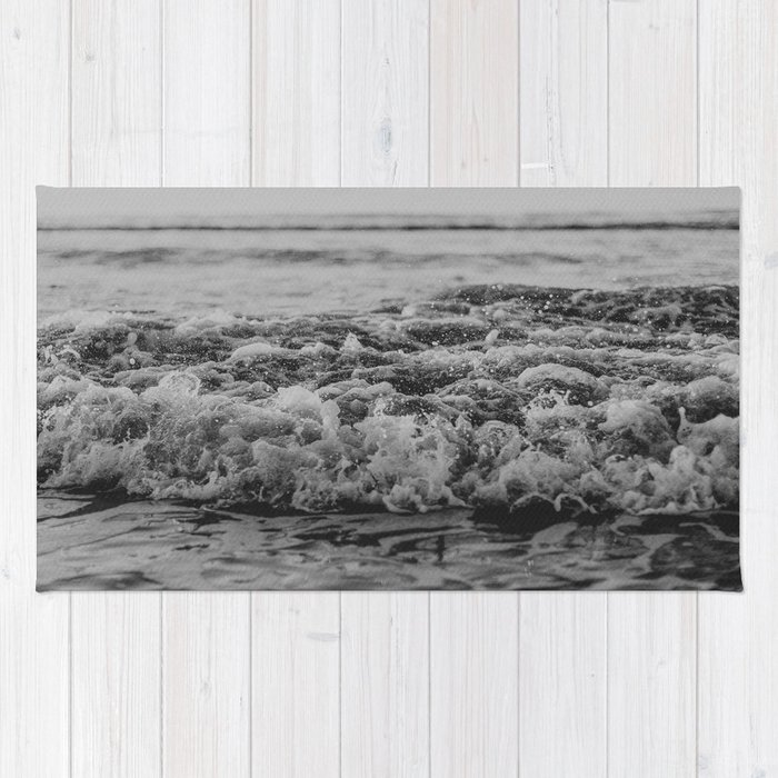Black and White Pacific Ocean Waves Rug