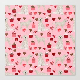 Golden Doodle dog breed valentines day art pattern dog gifts for dog lovers hearts and cupcakes Canvas Print