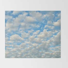 POPCORN CLOUDS Throw Blanket