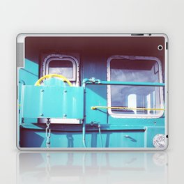 Locomotive in Turquoise Laptop & iPad Skin