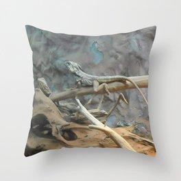 lizzards Throw Pillow