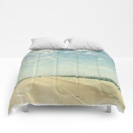 Vintage Style Photo Seven Mile Bridge Comforters