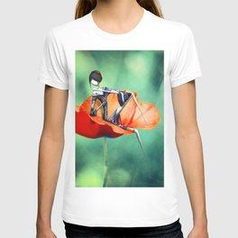 La fille au Coquelicot T-shirt