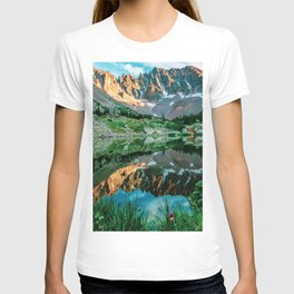 Sun Ridge Lake Reflection // Incredible Backpacking Trip Wild Flowers and Natural Beauty T-shirt