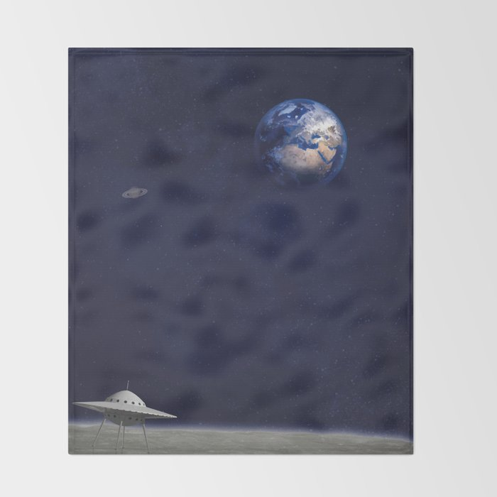 Earth, Spaceships and Stars Throw Blanket