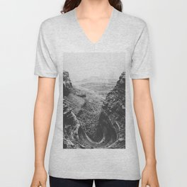 CANYONLANDS / Utah Unisex V-Neck