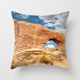 Royal Arch-UT Throw Pillow