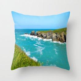 Port Gaverne - Castle Rock Throw Pillow