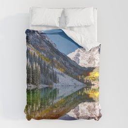 Maroon Bells And Maroon Lake Near Aspen Colorado USA Comforters