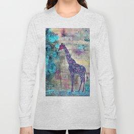 Majestic Series: Giraffe having a berry Long Sleeve T-shirt