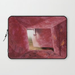 At What Time Does The War Start? Laptop Sleeve