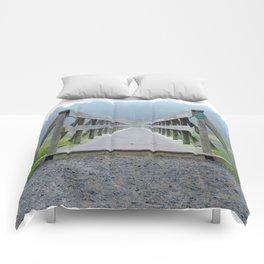 Uncle Tim's Bridge Straight On Comforters