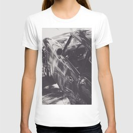 Triumph spitfire, black & white photography, Peter Lindbergh style, english sports car T-shirt