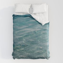 Clear Blue Sea. Waves, Ripples, Pebbles. 01 Comforters