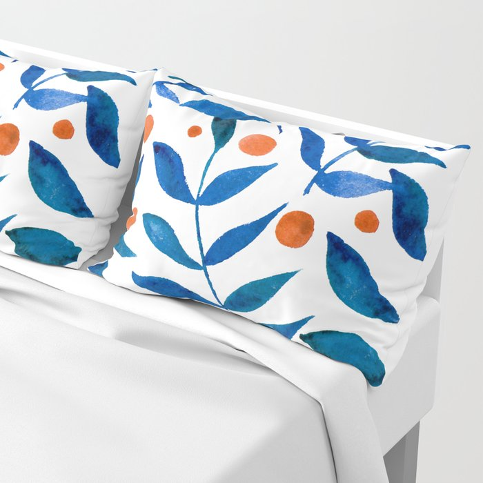 Watercolor berries and branches - blue and orange Kissenbezug