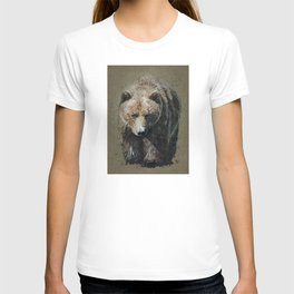 Bear background T-shirt