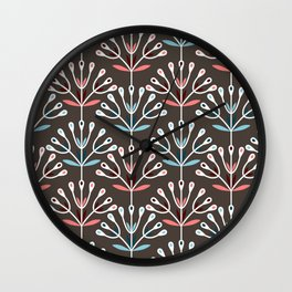 Daily pattern: Retro Flower No.7 Wall Clock