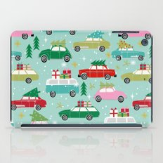 Vintage Christmas cars festive holiday traditions snow winter snowflakes classic car pattern iPad Case