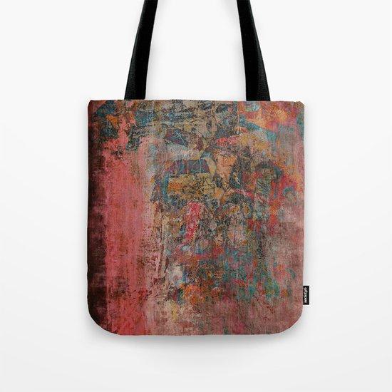 Elegante Signora in un Giorno Piovoso Tote Bag