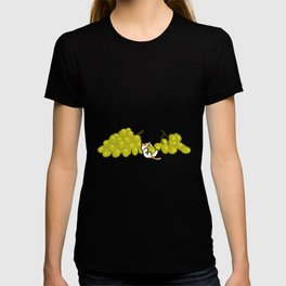 Neko Grapes T-shirt