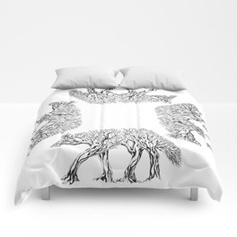TreeWolf in Circle Comforters
