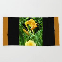 Flora Gold II Beach Towel
