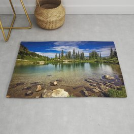 Mountain Lake in the Mt Rainier National Park Rug